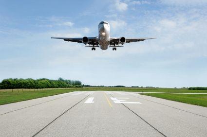 Anreise in die Zahnklinik Ungarn, Mosonmagyarovar mit dem Flugzeug