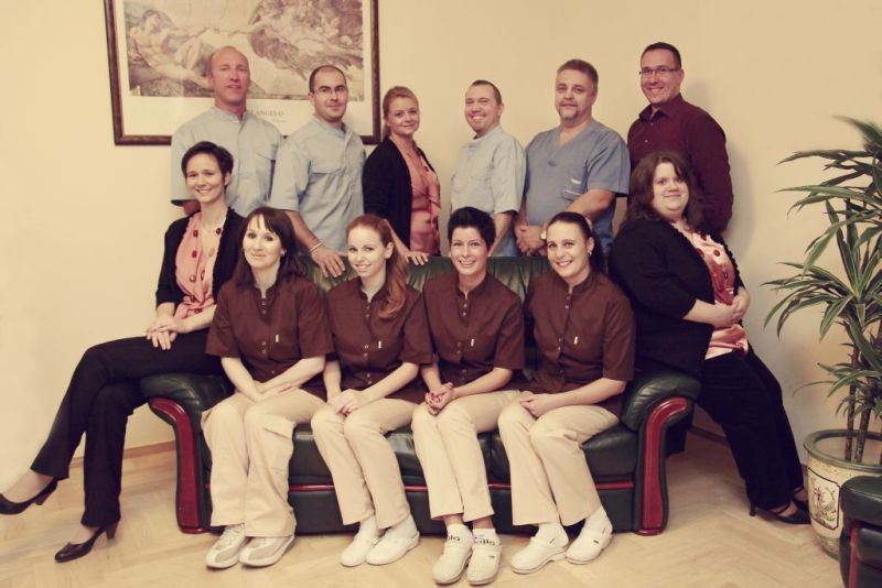 Zahnarztpraxis Genius-Dent in Ungarn