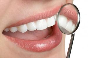 schöne Zähne in der Zahnarztpraxis Ungarn, Mosonmagyarovar